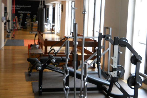 Bespoke plate weight resistance equipment and olympic bar storage